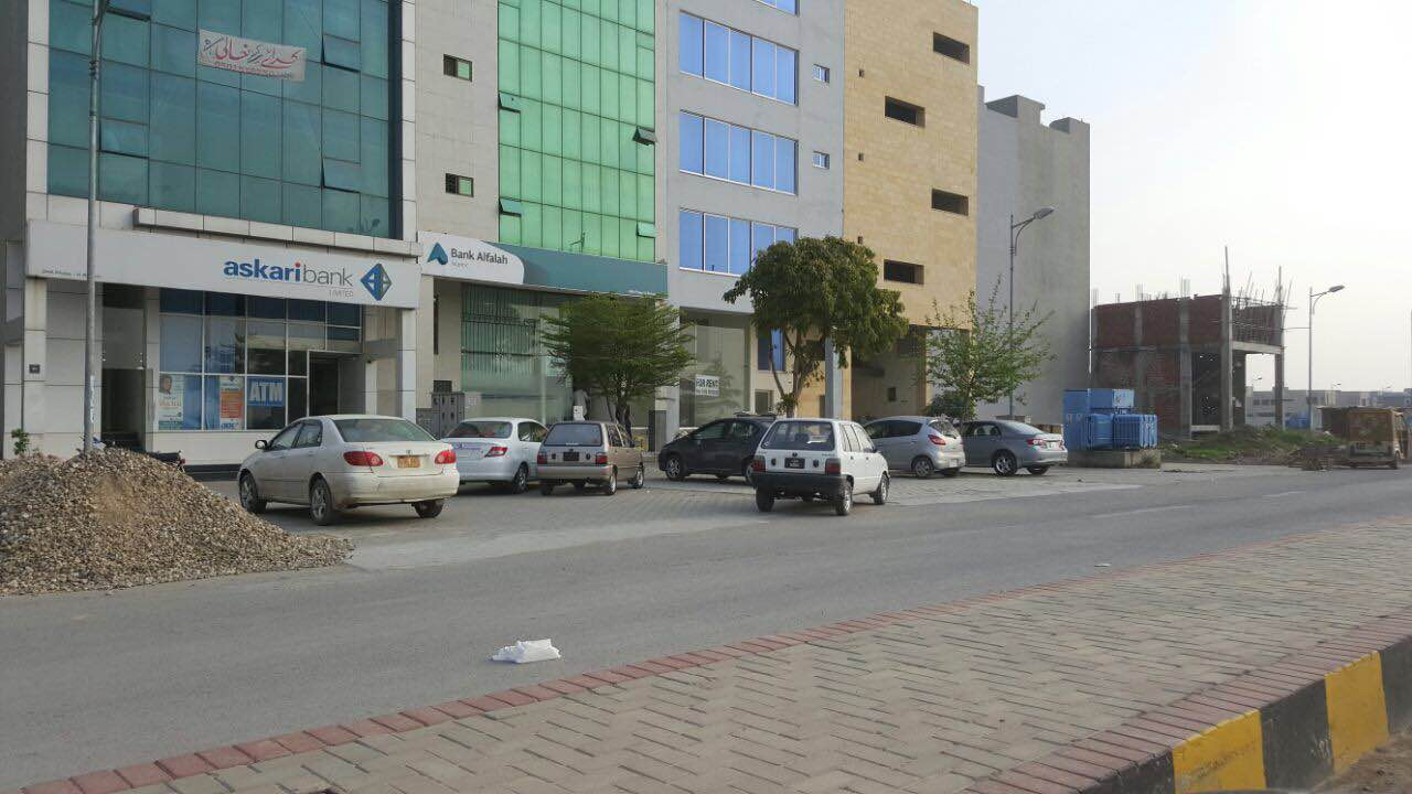 10 Marla House For Sale In DHA Phase 6 Near To DHA Head Office