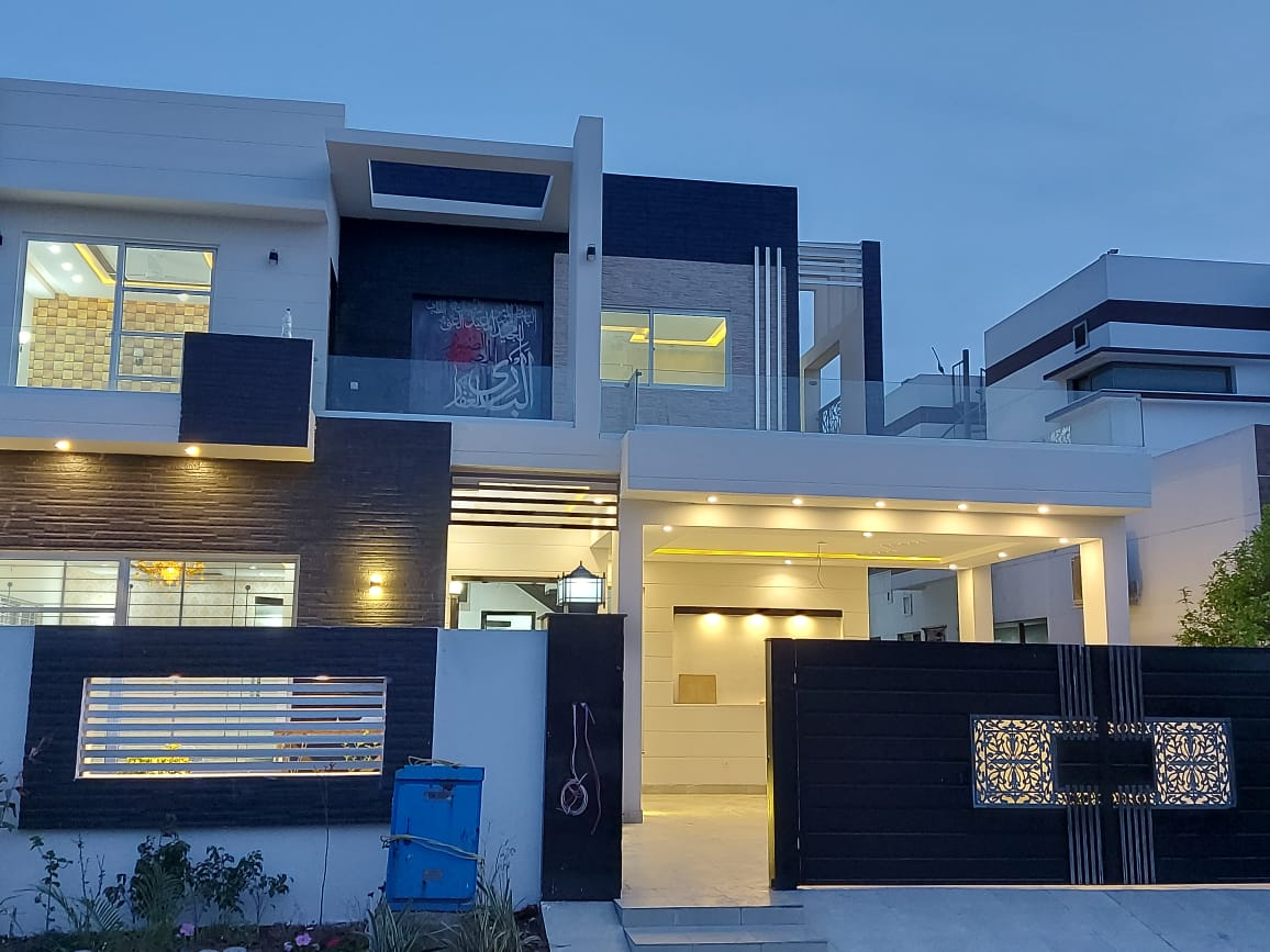 Edan City Lahore Near To Dha Phase 8 1 Kanal Beautiful Luxury Bungalow For Sale At Very Good Looking